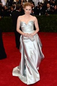 Amy Adams wore an Oscar de la Renta autumn/winter 2014 gown.