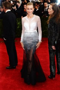 Naomi Watts wore Givenchy Haute Couture by Riccardo Tisci.