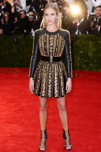 Rosie Huntington-Whiteley in a Balmain.